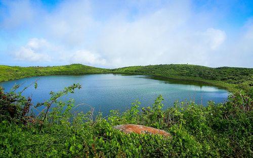 El Junco Lagoon
