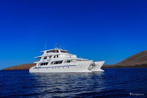 Tip Top V Galapagos Cruise+Flights
