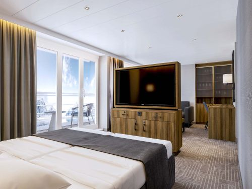 Ultramarine terrace suite