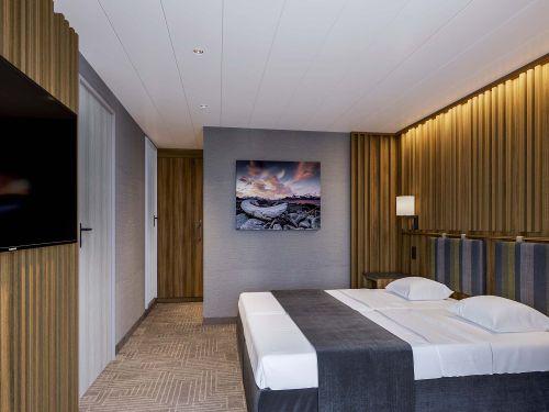 Ultramarine ultra suite