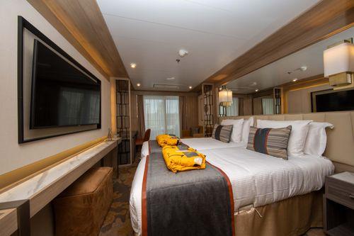 World explorer veranda suite