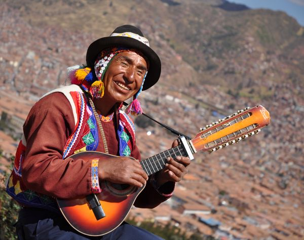 Peruvian music player instrument