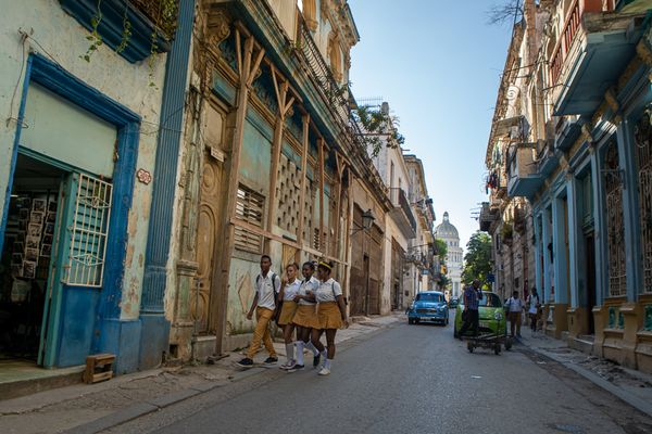 school kids habana streets
