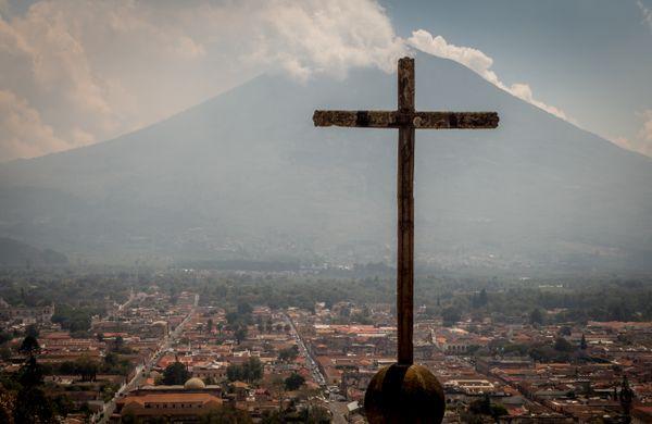 cerro de la cruz antigua view