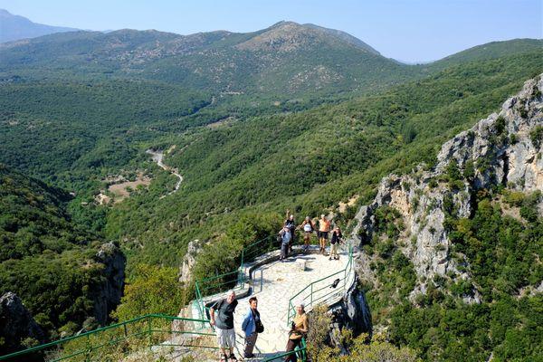hike menalon
