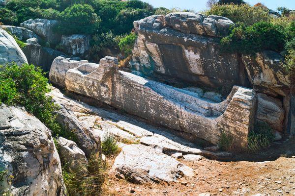 kouros naxos