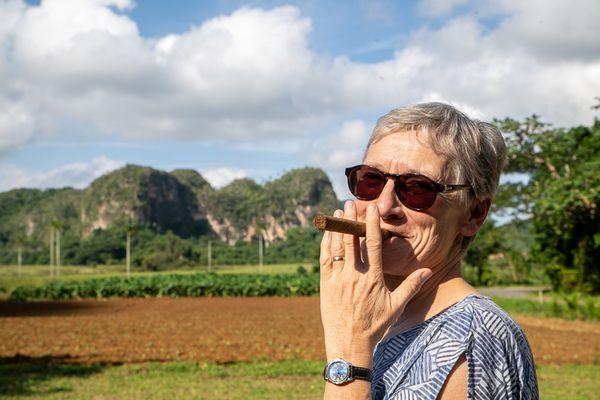 vinales woman smoking
