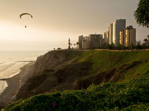 Lima beach front paraglider