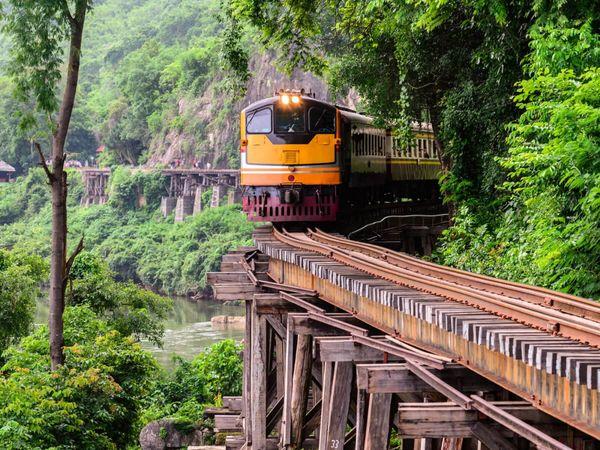 Kanchanaburi death railway train river kwai