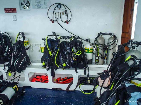 Aqua Galapagos Diving Cruise