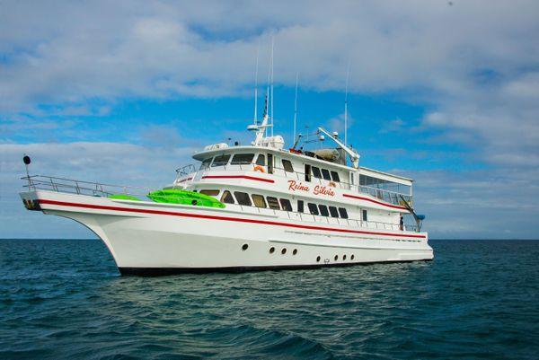 Reina Silvia Galapagos Cruise