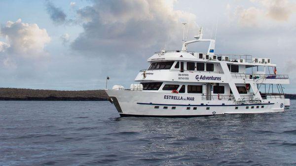 Estrella del Mar Galapagos Cruise+Flights