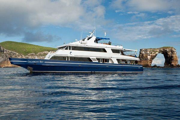 Galapagos Sky Diving Cruise