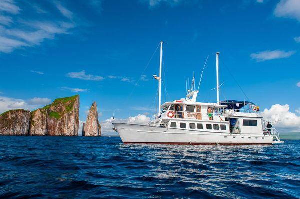 Golondrina Galapagos Cruise