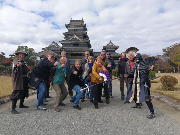 Matsumoto Castle group picture