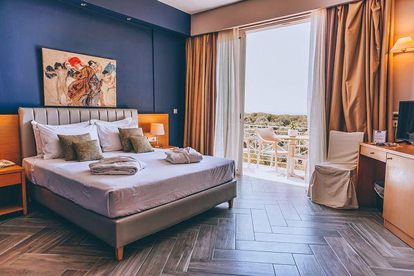 Apollo Hotel Kyparissia Grekaventura