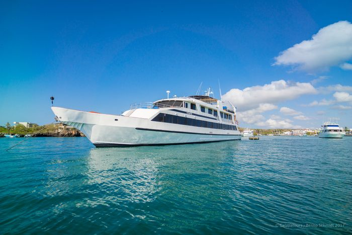 la pinta yacht galapagos cruise - gal0104